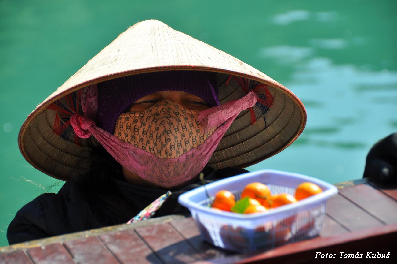 Halong - tradičný klobúk zo zátoky