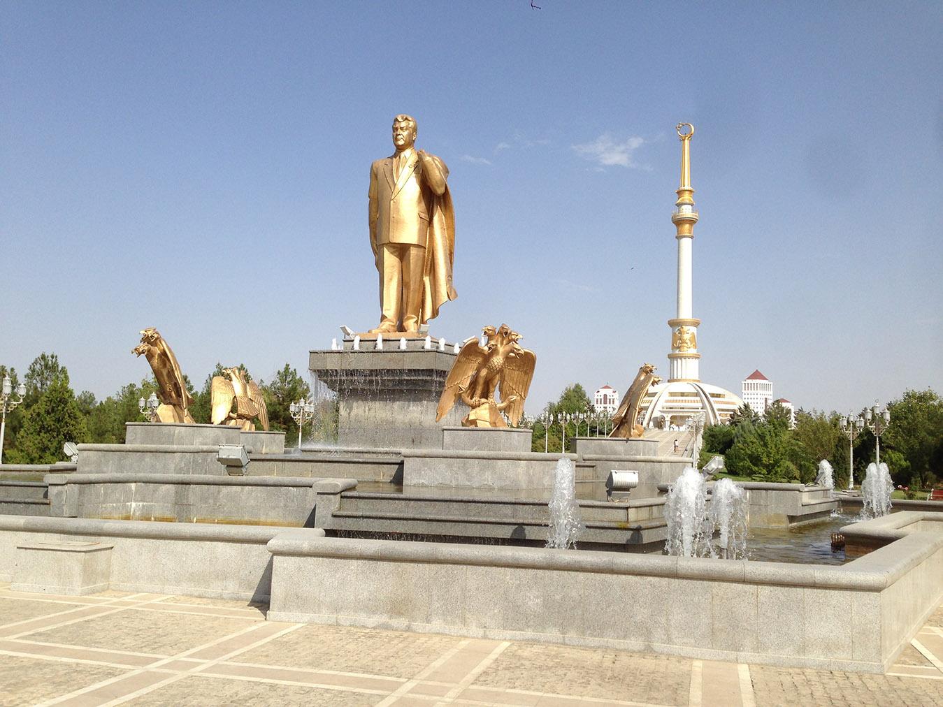Turkmenbaši, Ašchabad