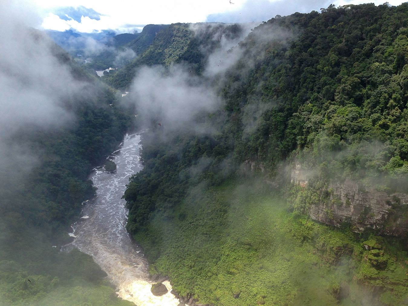 Let ponad Amazonský prales