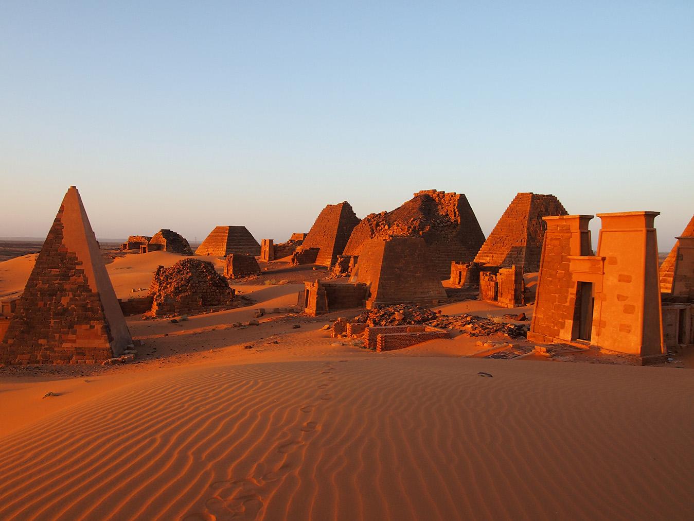 Pyramídy v Meroe