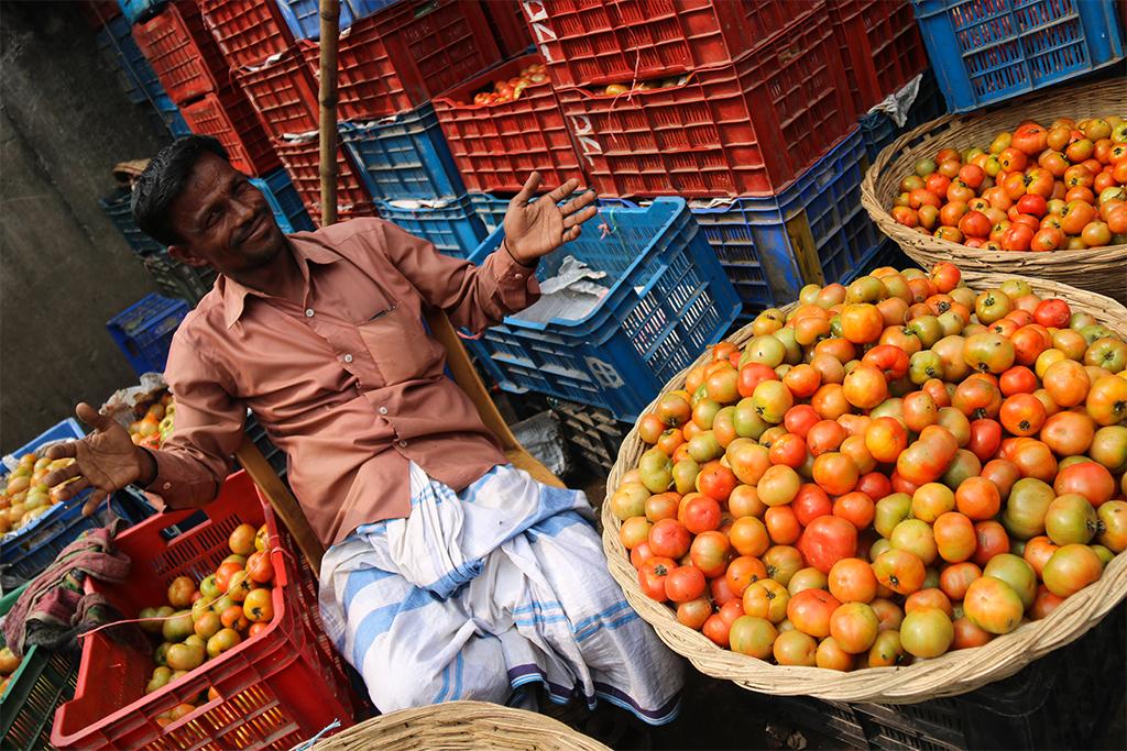 Na trhovisku v Dháke