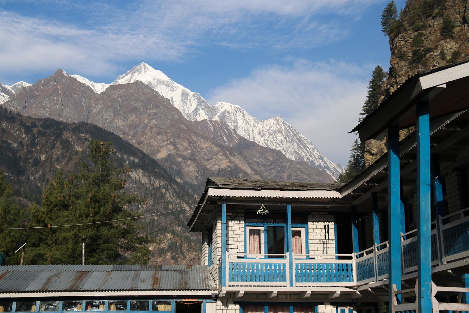 dedinka Chame s výhľadom na Annapurnu II