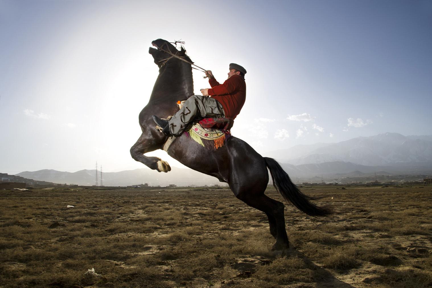 Fotograf, ktorý zachytáva životy ľudí vo vojnových krajinách