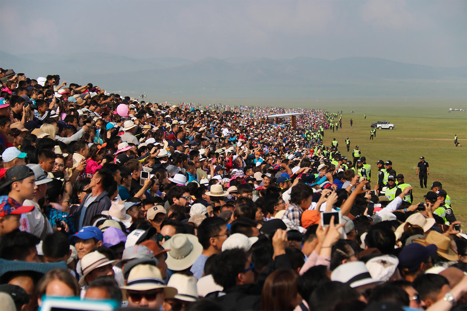 Publikum Naadam miluje