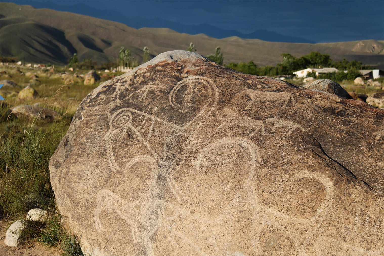 Petroglyfy pri meste Cholpon Ata