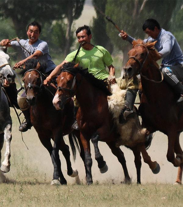 Kirgizsko - nomádske hry