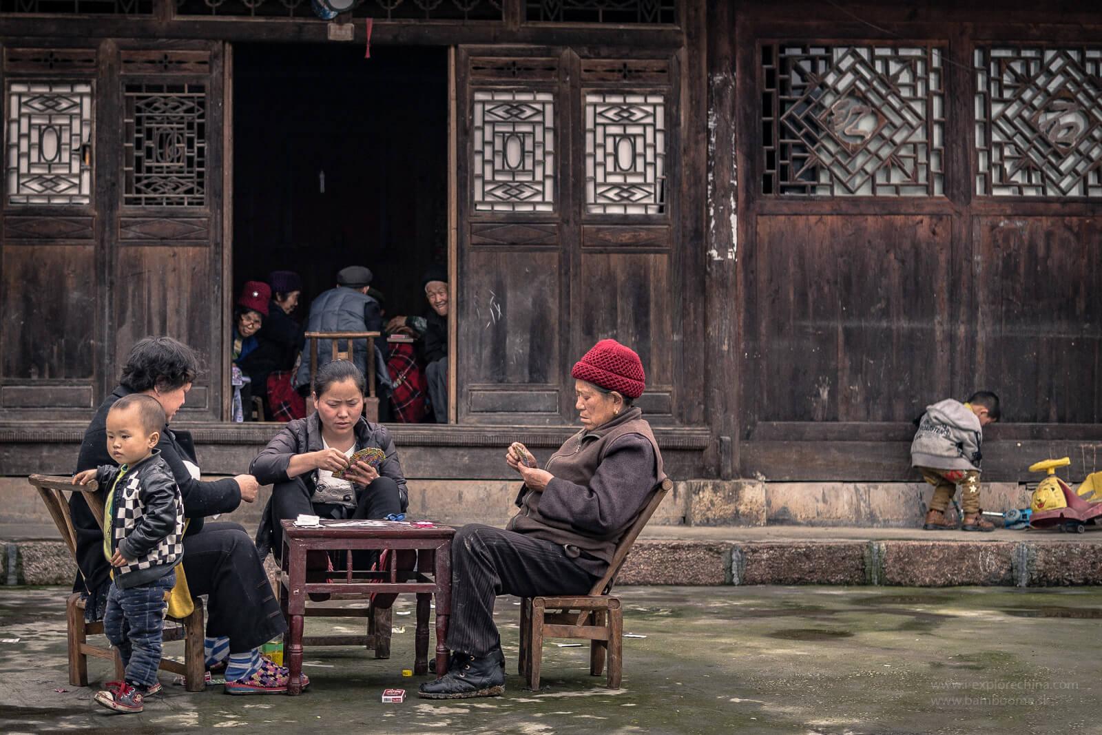 Romantická menšina Tujia
