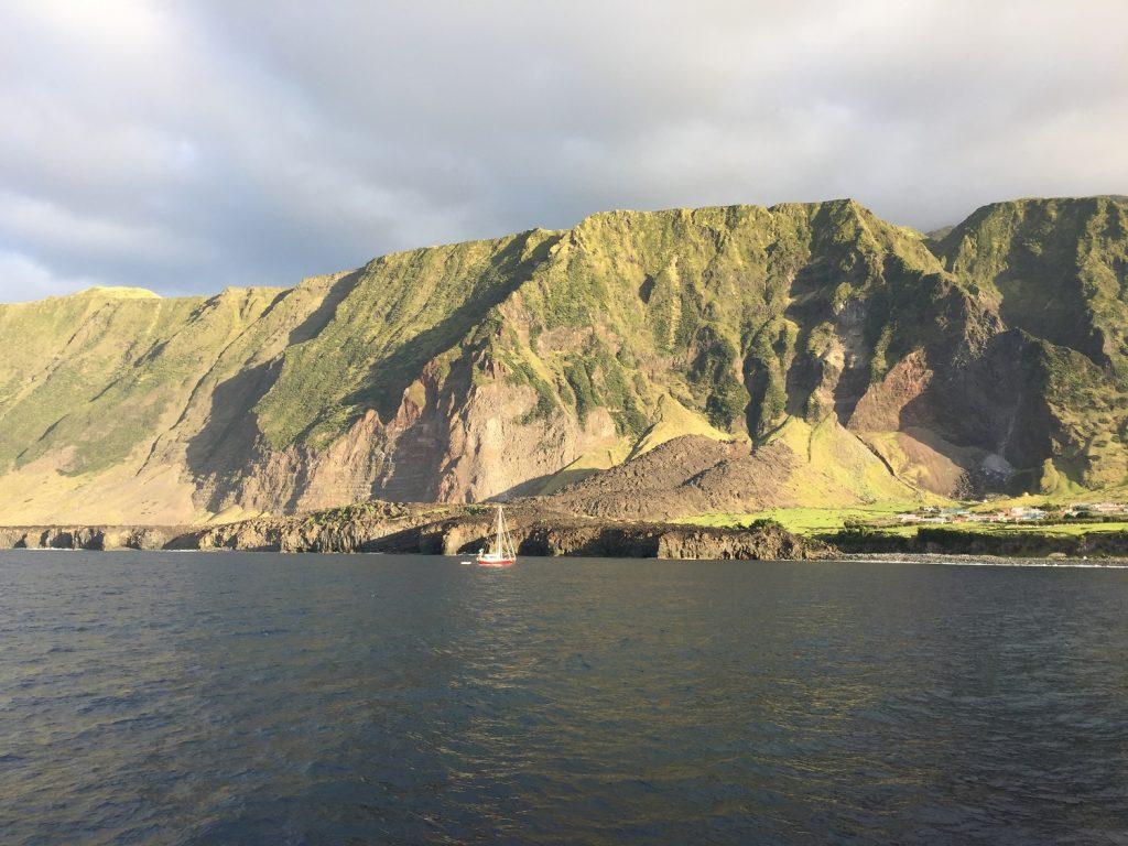 Tristan da Cunha - cestopis z najizolovanejšieho ostrova sveta