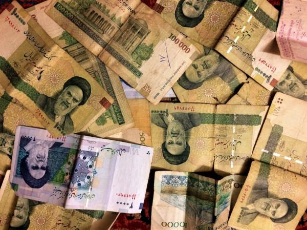 Peniaze v Iráne
