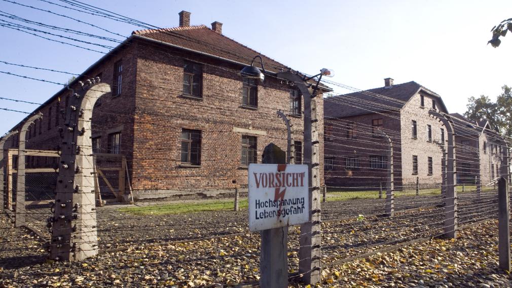 Osvienčim - krátka história a ako sa tam vieš dostať.